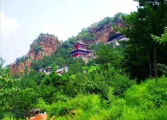 16   阜新·海棠山     位于辽宁省阜新蒙古族自治县大板镇大板村