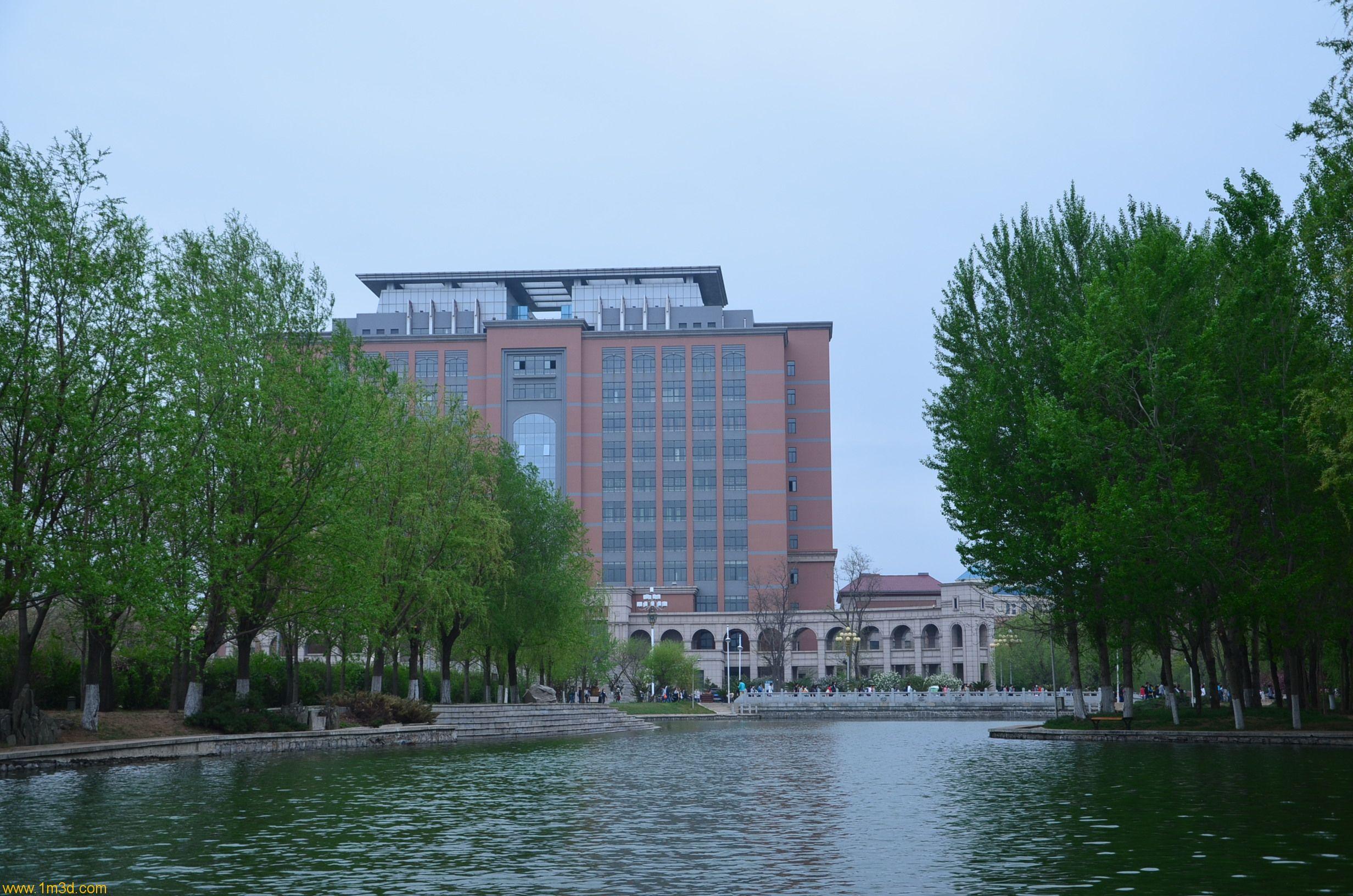 花开正当时——锦州渤海大学掠影